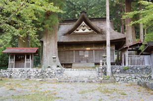 精進諏訪神社