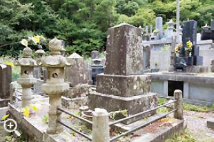 龍泉寺に残るハリー・ウイリアム・ホイットウォーズさんのお墓