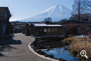 逆さ富士が映ることから「鏡池」(第七の霊場)